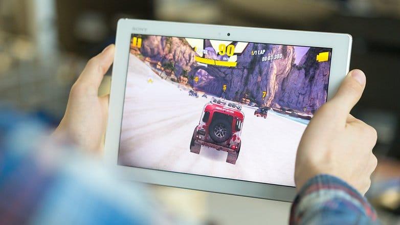 Лучшая гоночная игра на планшет