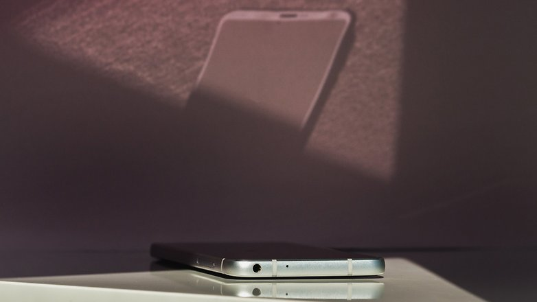 LG G6 - Проблемы со сканером отпечатка пальцев, OK Google. Не работает гнездо для наушников. При включении LG G6 пишет устройство повреждено